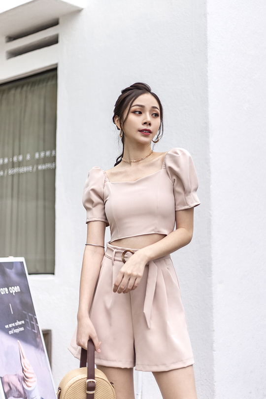 ARYKA PUFF SLEEVES CROP TOP (NUDE PEACH)