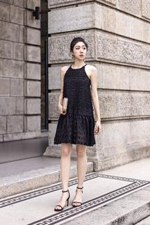LIDA TRAPEZE MINI DRESS (FURRY BLACK)