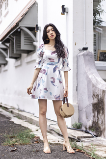VAYLIE LAYERED PUFF SLEEVES DRESS (WHITE ABSTRACT)