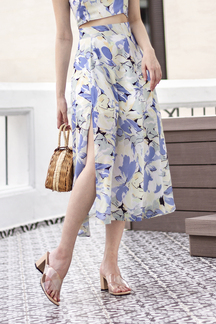 LANA SIDE SLIT MIDI SKIRT (FLORAL)