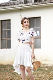 PRISSY FLUTTER SLEEVES CROP TOP (WHITE)