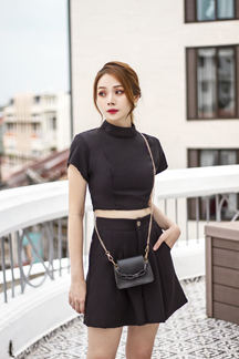 CAYLA HIGH NECK CROP TOP (BLACK)