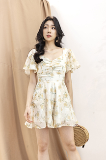 GAELLE FLARE SLEEVES PLAYSUIT (YELLOW FLORAL)