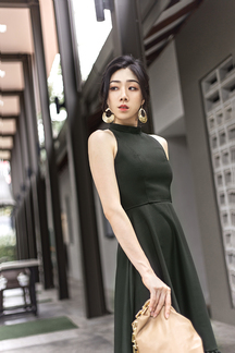 GAILA HALTER NECK FLARE MIDI DRESS (MOSS GREEN)