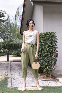 KIERRA BELTED CROPPED PANTS (OLIVE)