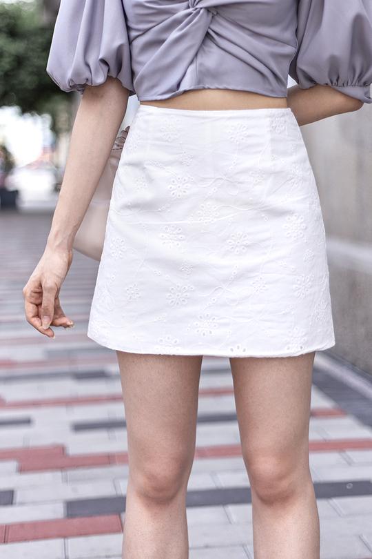 LINSEY MINI SKORTS (WHITE)