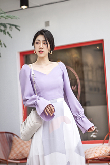 ARIELLA V NECK BELL SLEEVES TOP (LAVENDER)