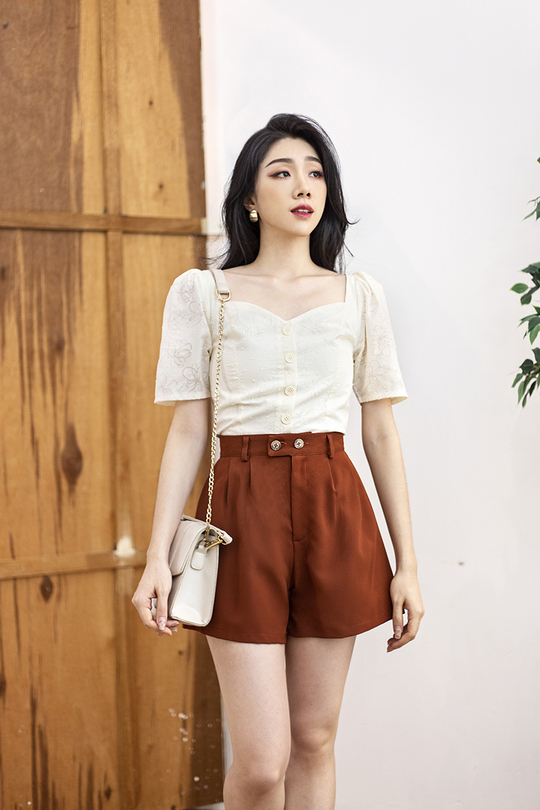 SONA BUTTON FRONT TOP (BUTTER CREAM)