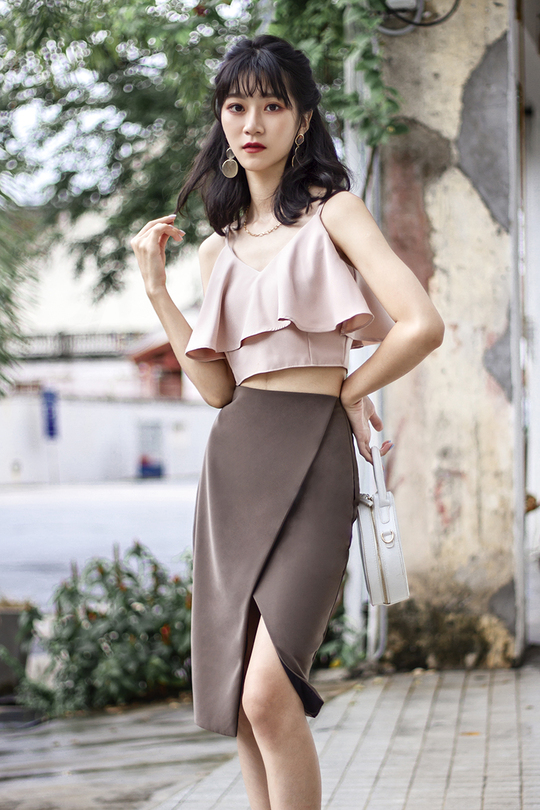 FAYE RUFFLES CROP TOP (NUDE)