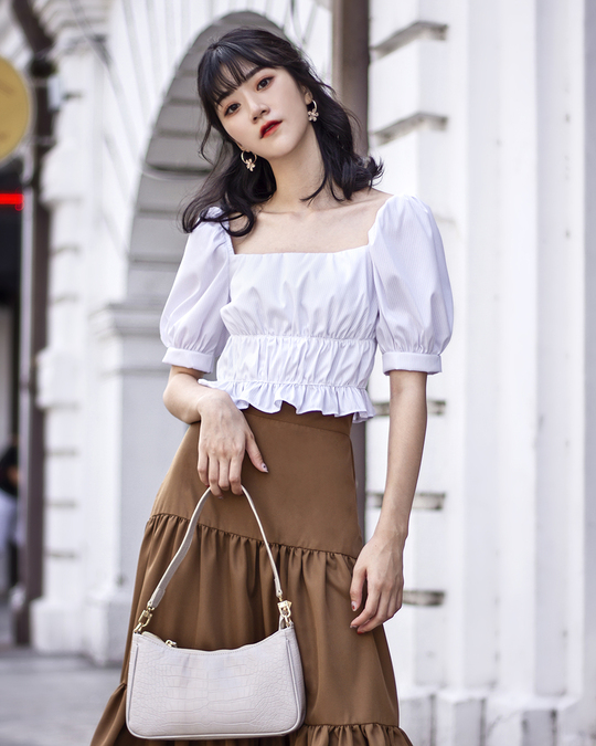 DELLA RUCHED SLEEVES TOP (WHITE)